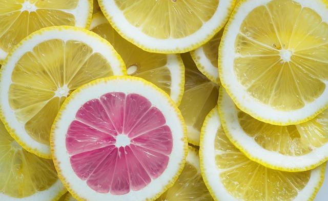 1つだけ赤いレモン